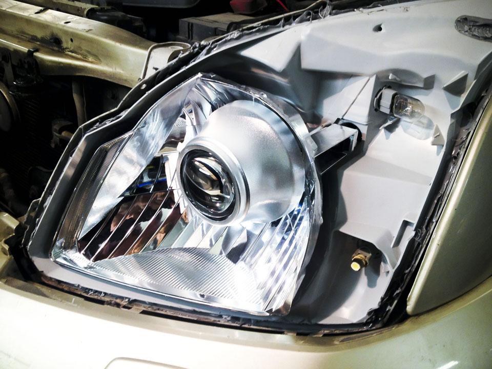 Установка биксеноновых линз Morimoto на Toyota Prado 120