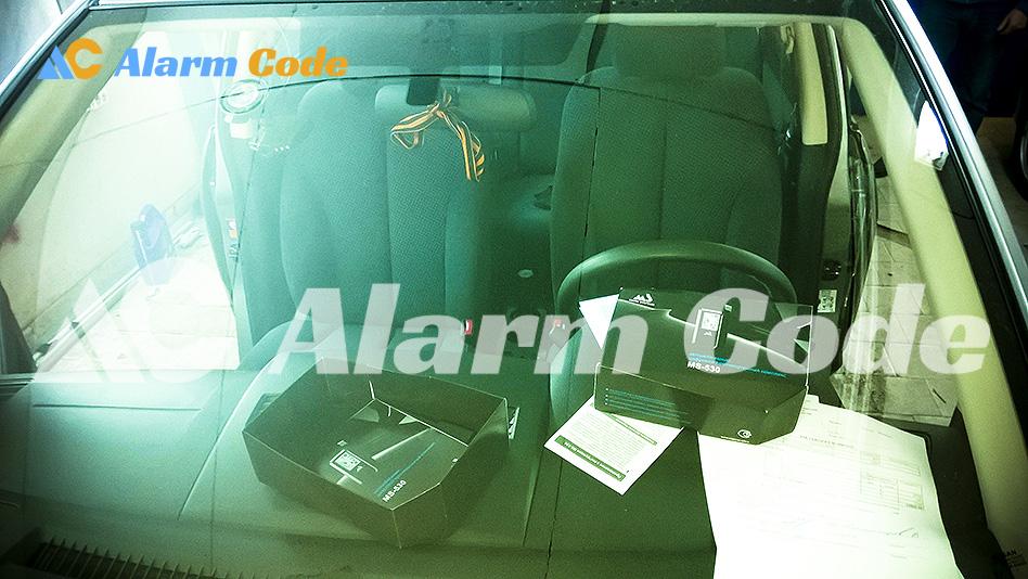 Установка парктроника и сигнализации на Nissan Tiida