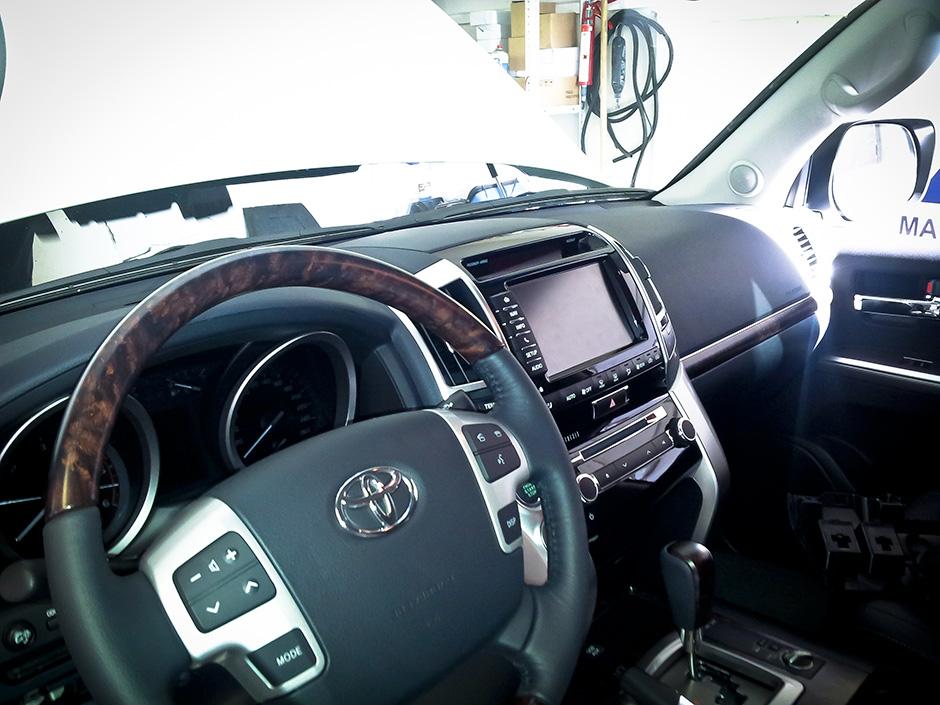 Установка сигнализации MS Грифон на Toyota Land Cruiser 200